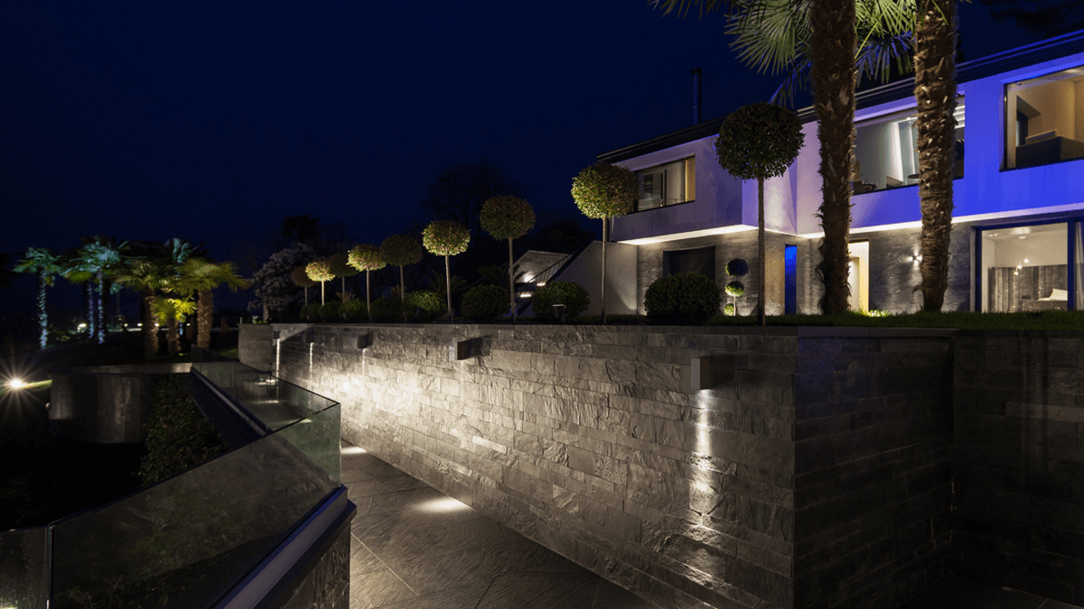How to light an exterior pathway